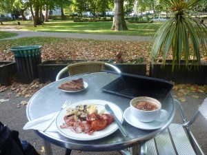 Breakfast in Russell Square